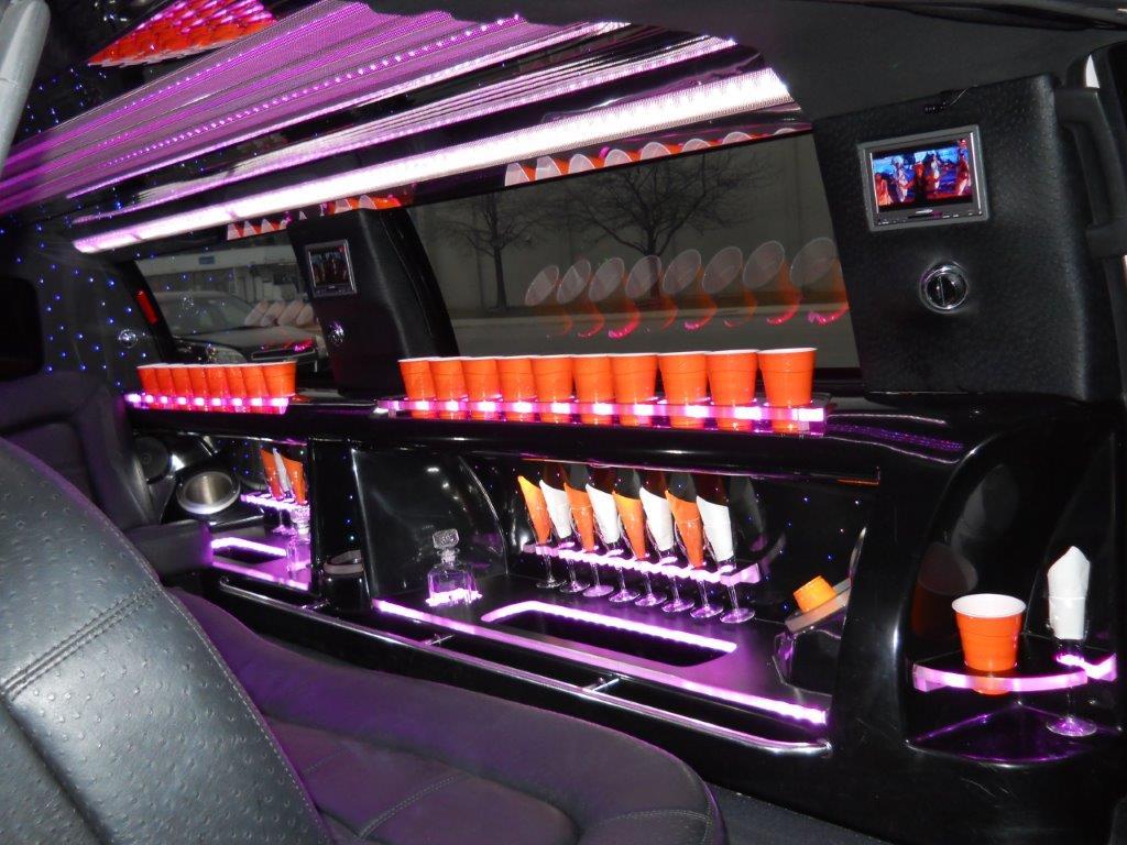 2014 Lincoln Navigator L stretch limo 140, 14-pass QVM