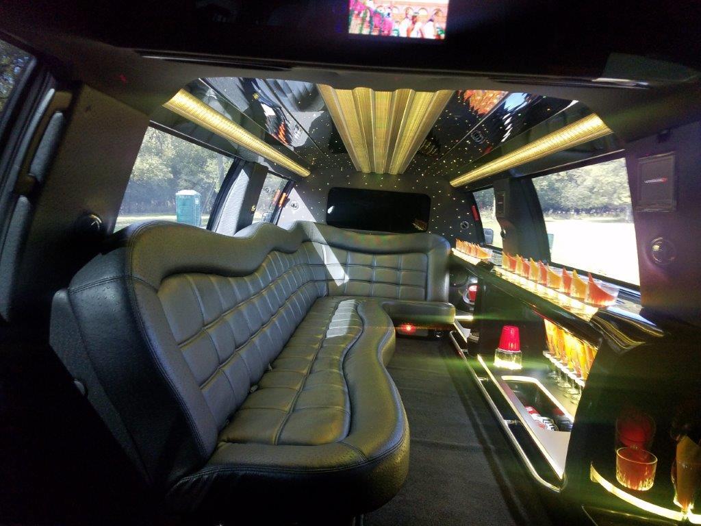 2014 Lincoln Navigator QVM stretch SUV 14-pax limousine